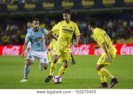 VILLARREAL, SPAIN - OCTOBER 16th: Trigueros with ball during La Liga soccer match between Villarreal CF and R.C. Celta de Vigo at El Madrigal Stadium on October 16, 2016 in Villarreal, Spain