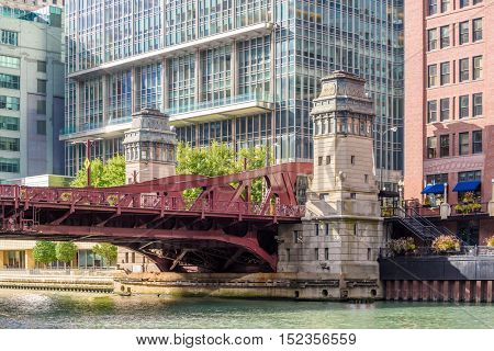Chicago's beautiful Riverwalk along the Chicago River
