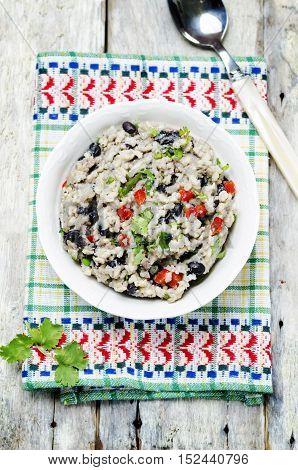 Black beans pepper cilantro cauliflower brown rice