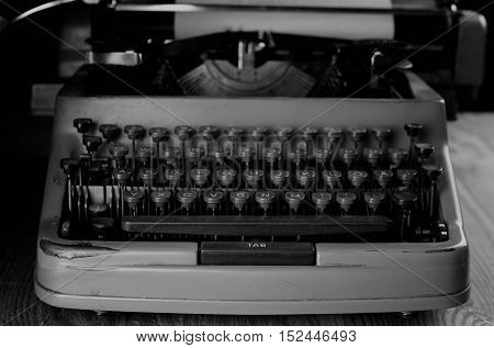 detailed largest survey of small parts of the old English typewriter