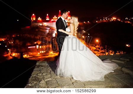 Gorgeous Wedding Couple Background Night City With Castle In Light
