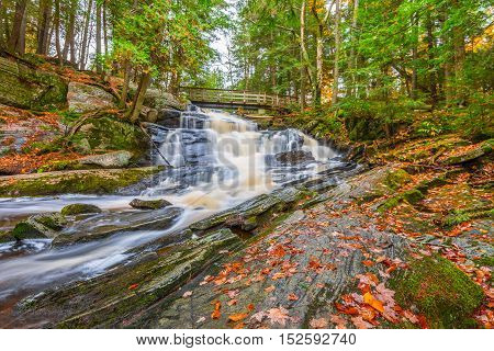 Potts Falls are located near the town of Bracebridge Ontario in the District of Muskoka.