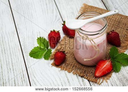 Yogurt With Fresh Strawberries