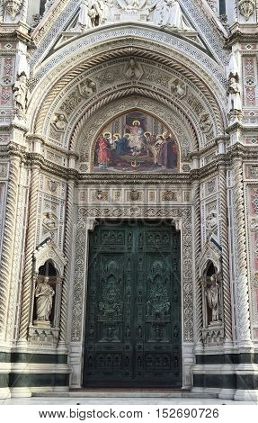 Main door of Florence Cathedral (Duomo) Santa Maria del Fiore in Florence, Italy