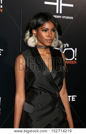 LOS ANGELES - OCT 17:  Diamond White at the