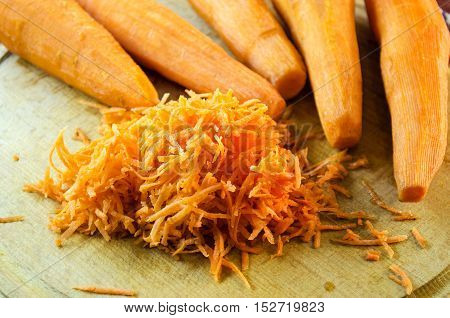 Raw Carrots Peeled And Grated