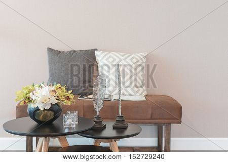 Set Of Table And Chair In Modern Living Room