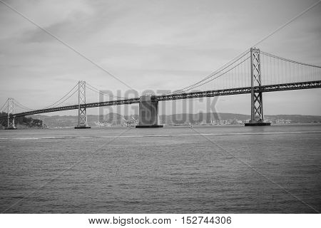 San Francisco Bay Bridge CA EUA Cloudy Day