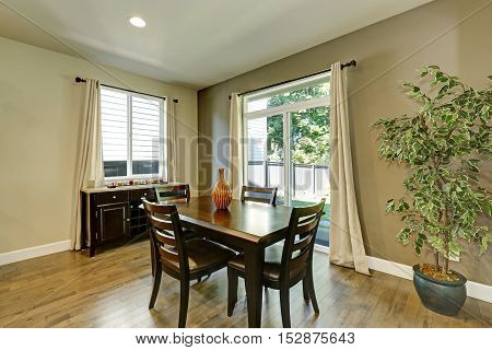 Typical American Dining Room Interior Design.