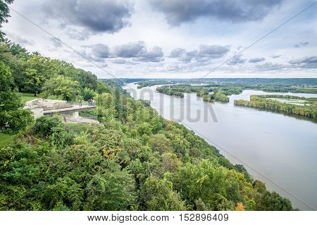 Lookout in Pikes Peak state park along Mississippi river.