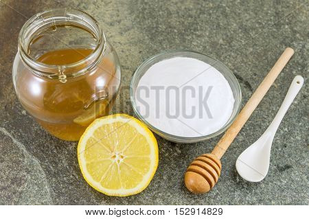 Baking Soda, Lemon And Honey