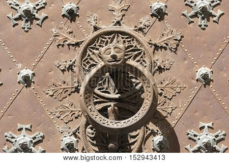 Tarragona (Catalunya Spain): exterior of the gothic cathedral detail of facade the door