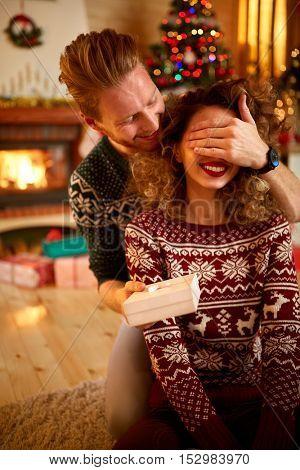 Boyfriend prepared surprise to girlfriend for Christmas