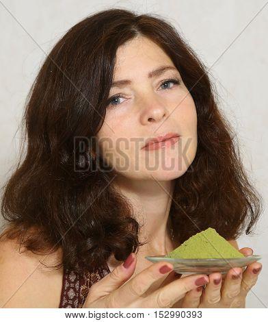 pretty woman dye hair with henna gorgeous woman