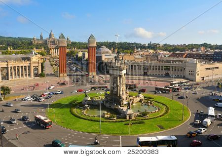 BARCELONA, SPAIN - AUGUST 18: Plaza de Espanya and Palau de Montjuich on August 18, 2011 in Barcelona, Spain. The Palace, built for the 1929 International Exhibition, houses nowadays a museum