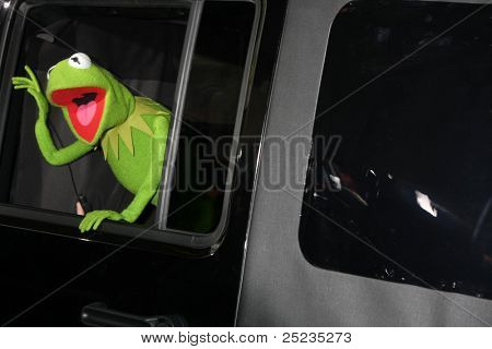 LOS ANGELES - NOV 12:  Kermit The Frog arrives at the