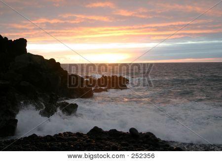 Brilliant Ocean Sunset Display