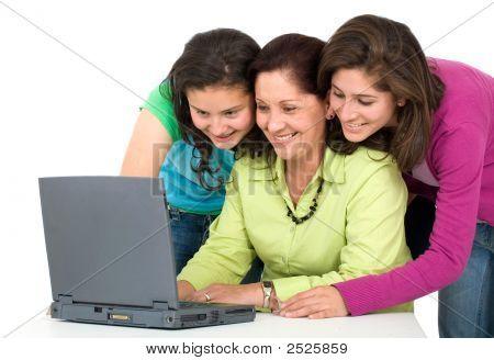 Família em um Laptop