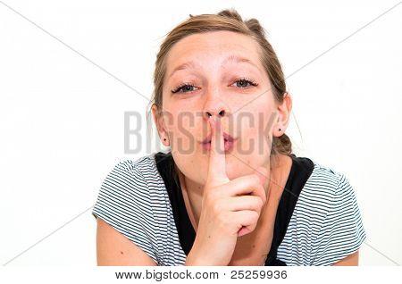 Porträt eines schönen jungen frischen Mädchens hushing