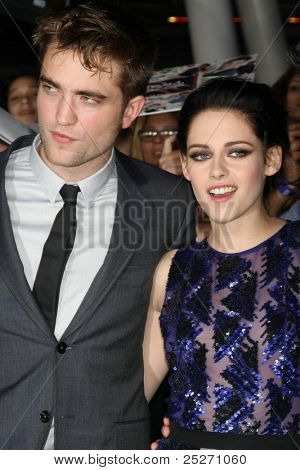 "LOS ANGELES - NOV 14:  Robert Pattinson, Kristen Stewart arrives at the ""Twilight: Breaking Dawn Part 1"" World Premiere at Nokia Theater at LA LIve on November 14, 2011 in Los Angeles, CA"