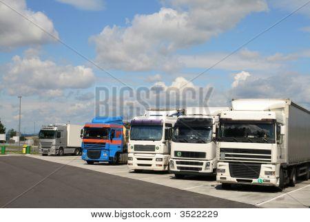 Parking Trucks