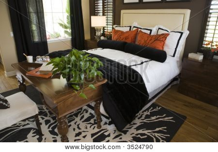 Comfortable Modern Designer Bedroom