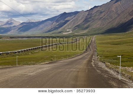 Alaska Pipeline And The Dalton Road
