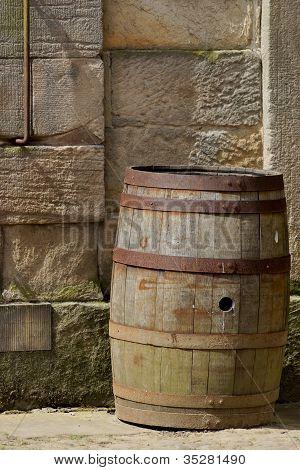 Old Barrel / Keg