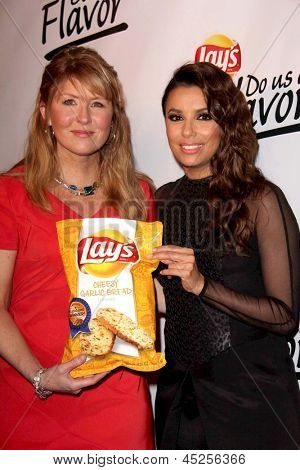 LOS ANGELES - MAY 6:  Karen Weber Mendham, Eva Longoria arrives at the Lay`s Brand Announces The Winning Flavor In Lay`s Do Us A Flavor Event at the Beso on May 6, 2013 in Los Angeles, CA