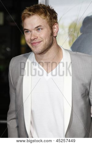 LOS ANGELES - FEB 1: Kellan Lutz arrives at the premiere of 'Dear John' held at the Grauman's Chinese Theater in Los Angeles, California on February 1, 2010
