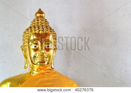Thai Golden Buddha Statue