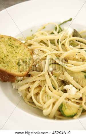 Linguine With Feta Cheese, Zucchini And Garlic Bread