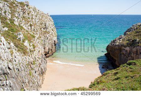 Nueva De Llanes Beach