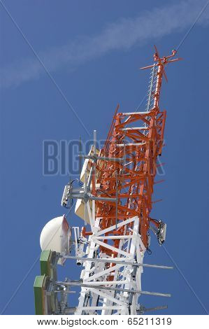 Towers and antennas for communication