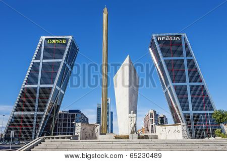 Madrid, Spain - September 21, 2013: La Puerta De Europa Known As Torres Kio (kio Towers) At Paseo De