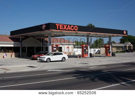 JACKSONVILLE, FL-MAY 17, 2014: A Texaco gas station in Jacksonville. Texaco is associated with the Havoline brand of motor oil and began as the Texas Fuel Company in the year 1901.