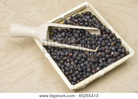 Basket with juniper berries