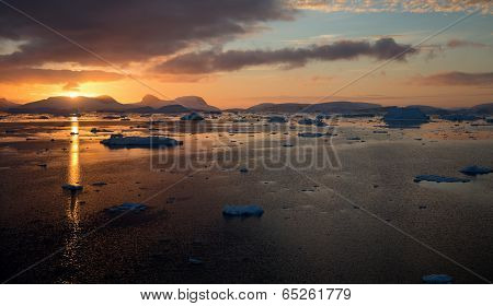 Antarctic Sunset near Antarctic Circle