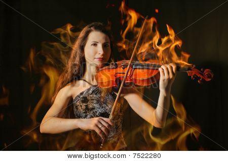 Violinist im Flamme