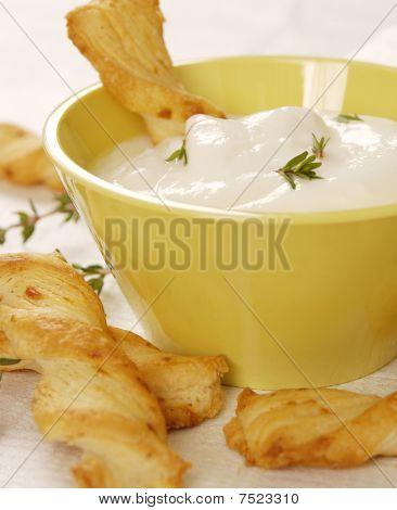 Cheese sticks with yogurt