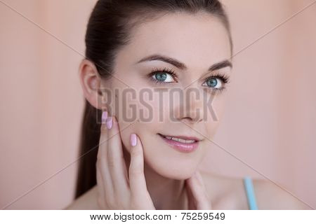 Beautiful Young Woman With Natural Daily Makeup And Manicure Beauty Concept