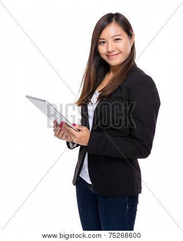 Singaporean businesswoman use tablet