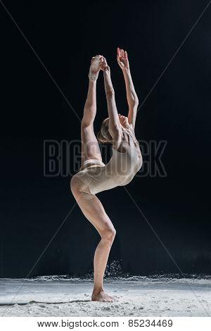 female dancer posing in studio