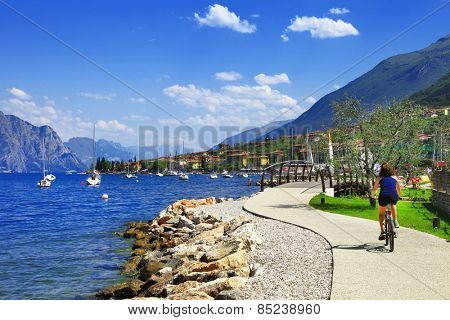 Lago di Garda activities beautiful lake in north of Italy