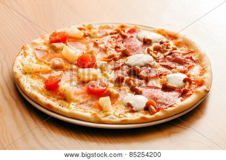 tasty pizza with pineapple
