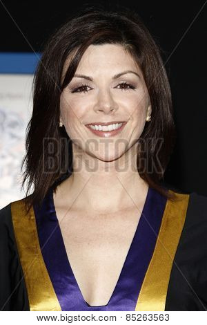 LOS ANGELES - APR 21: Amy Pietz at the premiere of Walt Disney Pictures' 'Prom' at the El Capitan in Los Angeles, California on April 21, 2011.