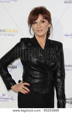 LOS ANGELES - JAN 8: Marilu Henner at the TCA Winter 2015 Event For Hallmark Channel and Hallmark Movies & Mysteries at Tournament House on January 8, 2015 in Pasadena, CA