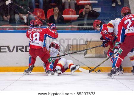 D. Jafyarov (18) Attack R. Helenius (31)
