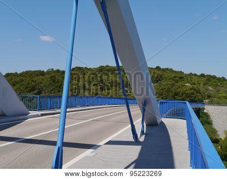 The bridge over the Zdrelac strait