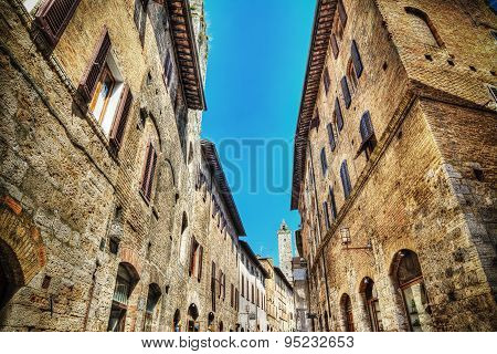Narrow Road In San Gimignano In Hdr